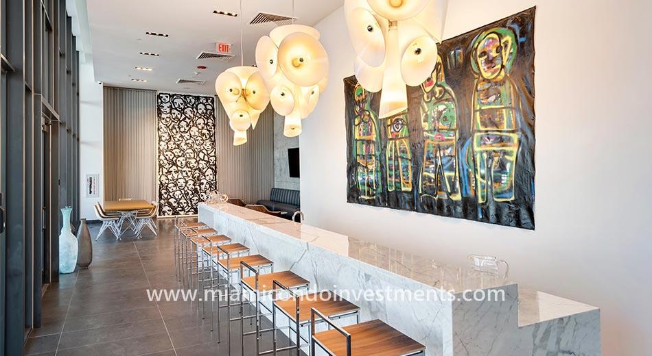 Canvas lounge club room