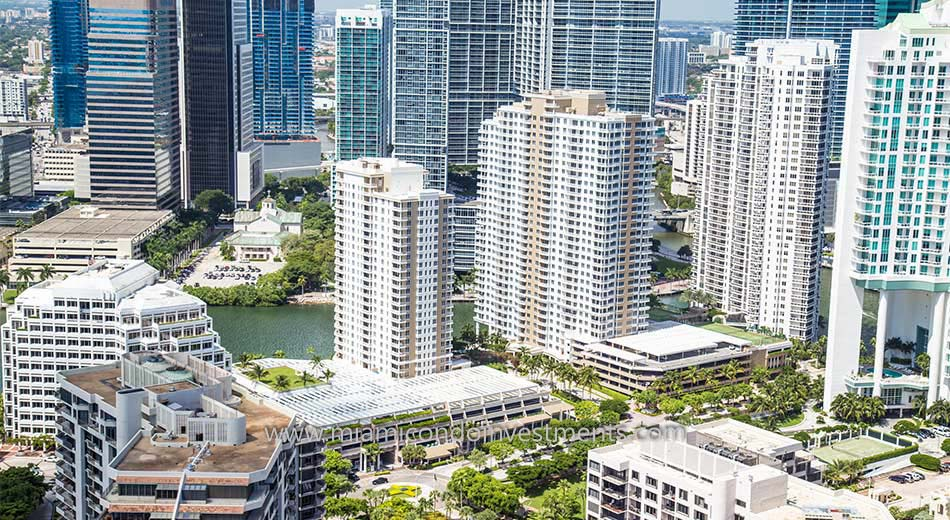 Courvoisier Courts brickell key miami