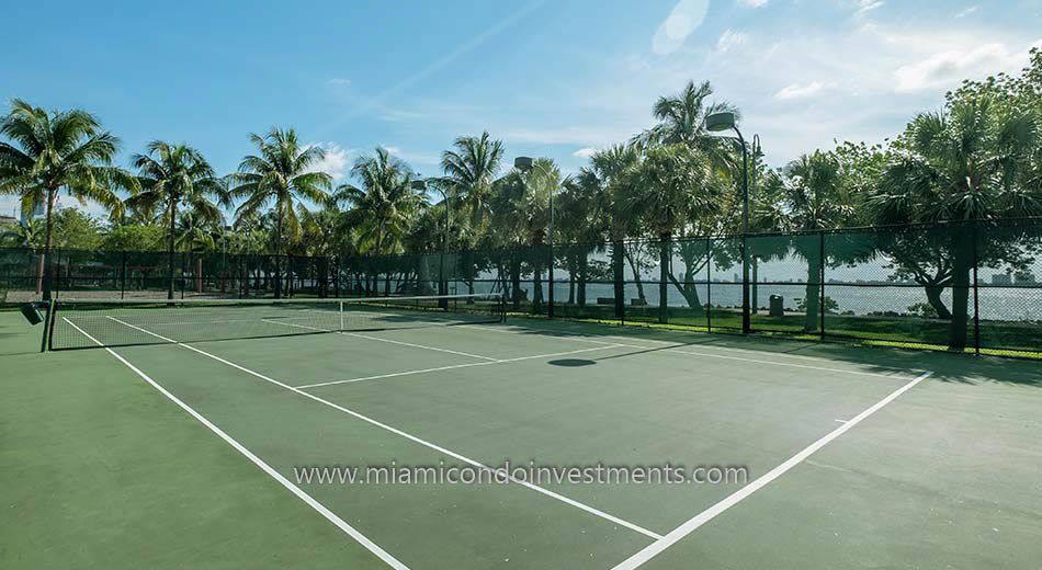 tennis courts at Margaret Pace Park in Edgewater Miami