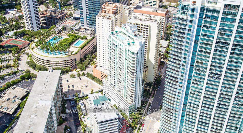 aerial view of Emerald at Brickell