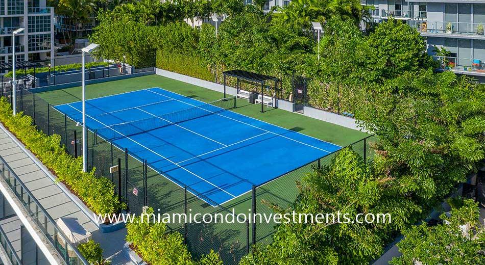 Hyde Midtown tennis court