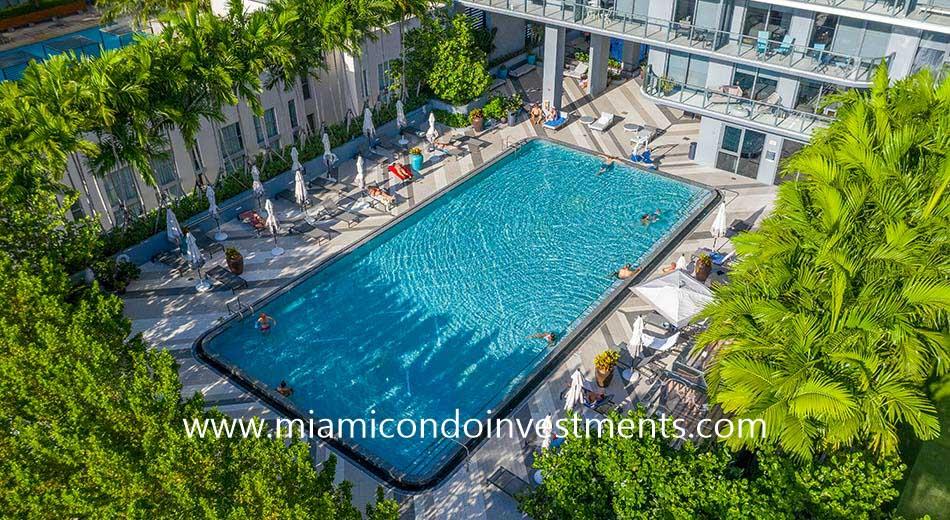 Hyde Midtown swimming pool