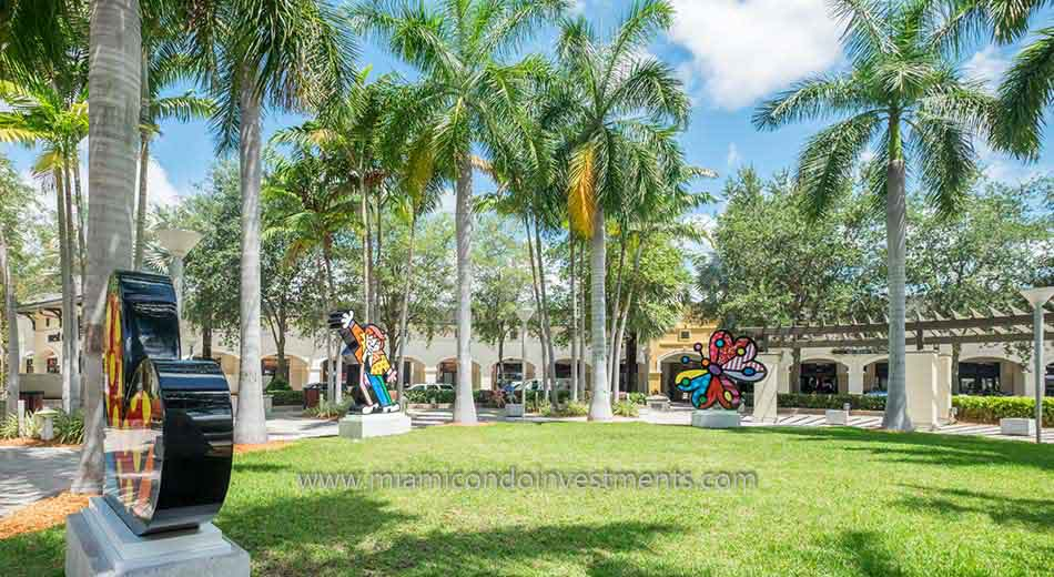 Midtown Miami green space and Britto art