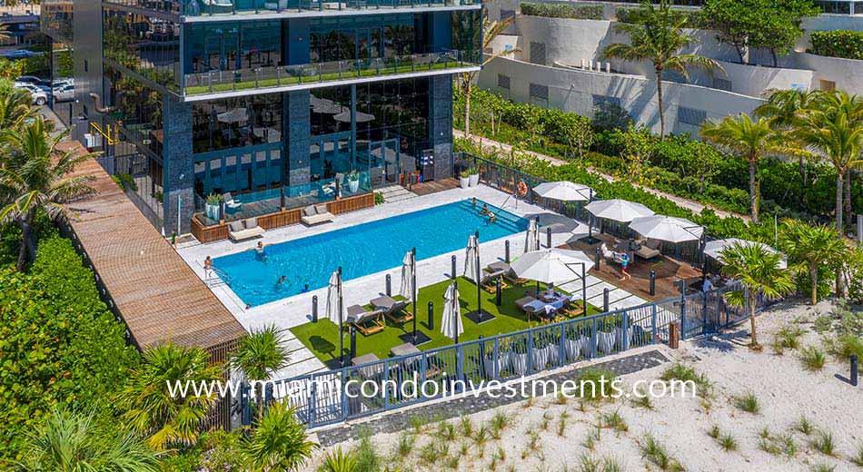 Muse pool deck