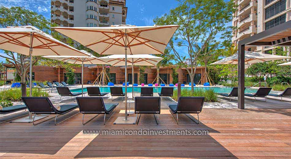 Palazzo Del Sol pool deck