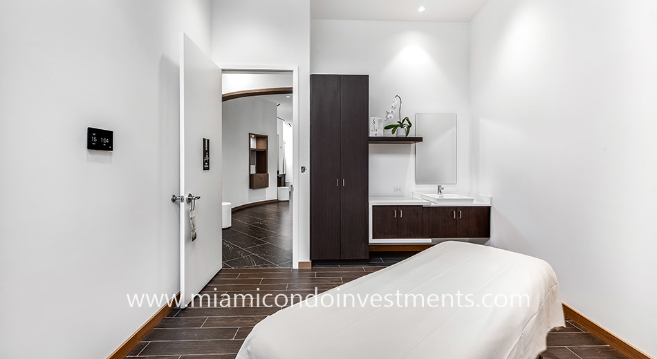 treatment room at Paramount Miami