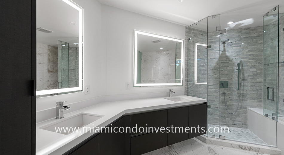 Paramount Miami master bathroom
