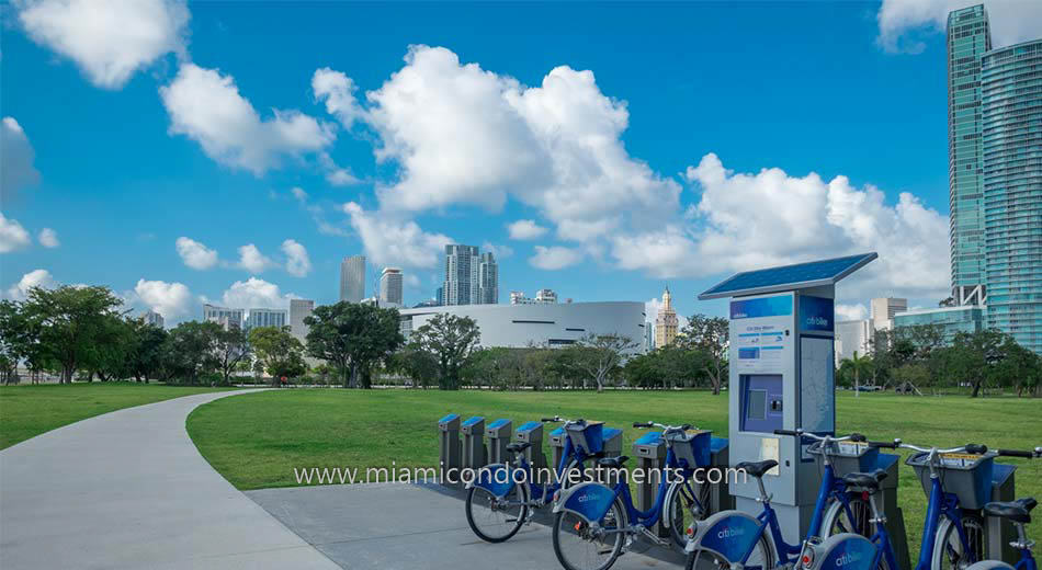 Citibikes at Museum Park in Park West Miami