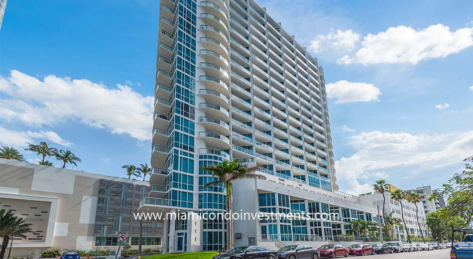 Platinum Condominium 480 NE 30 St