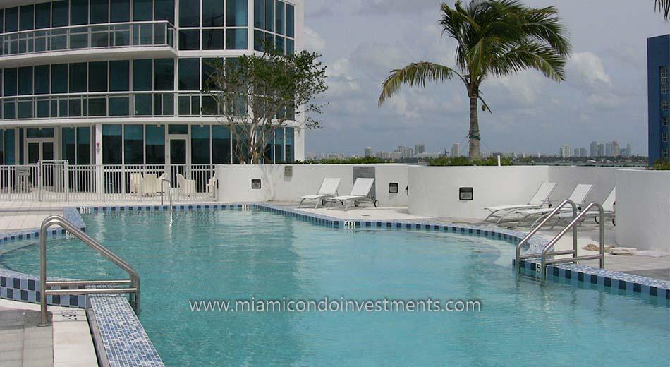 Platinum condominium miami pool