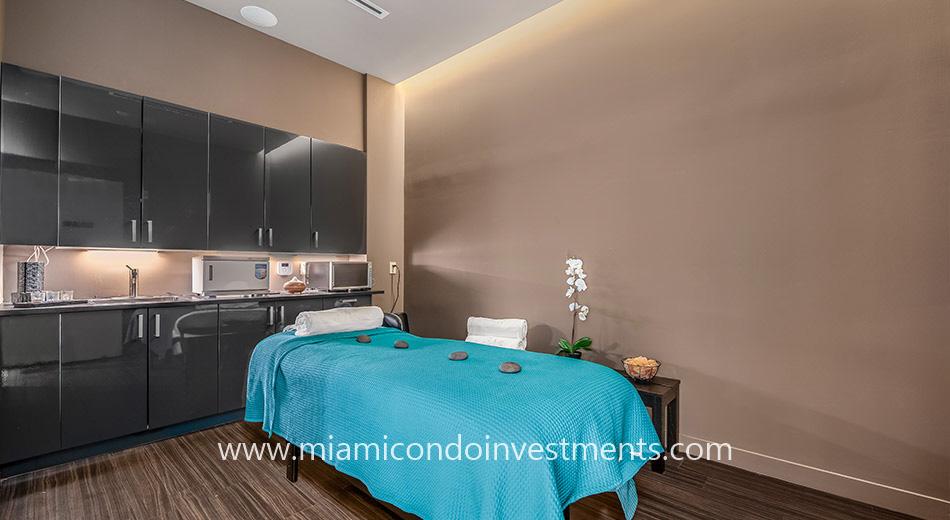 Rise Brickell City Centre massage room