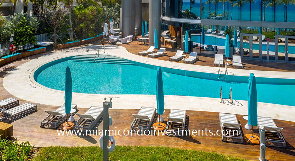Ritz-Carlton Sunny Isles pool deck