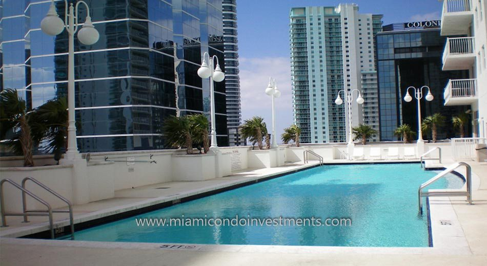 The Club at Brickell Bay condo pool