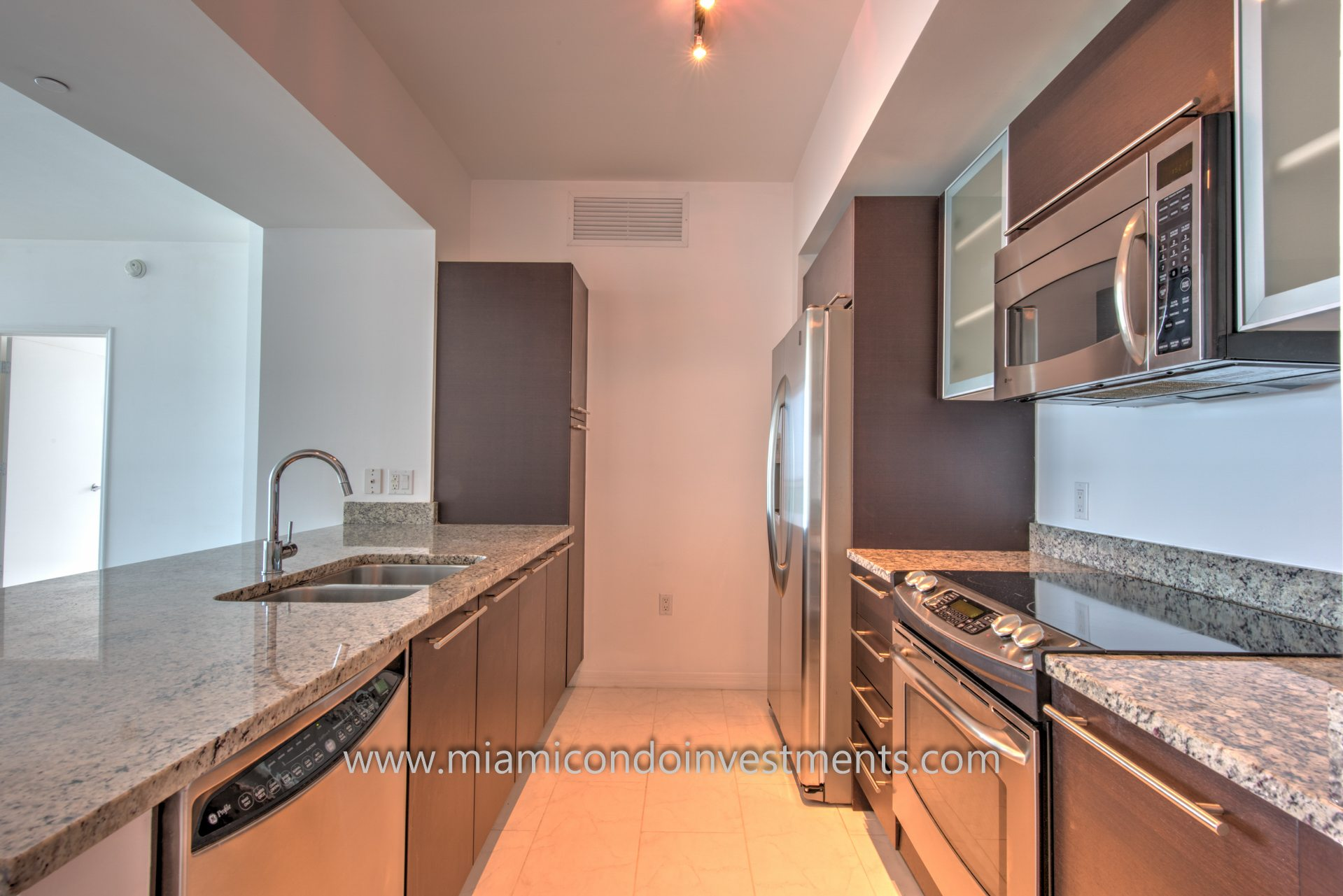 The Plaza on Brickell west tower kitchen 2