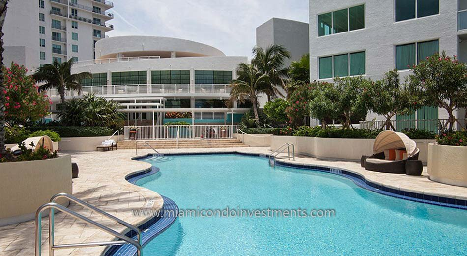 Vizcayne North miami condos pool 2