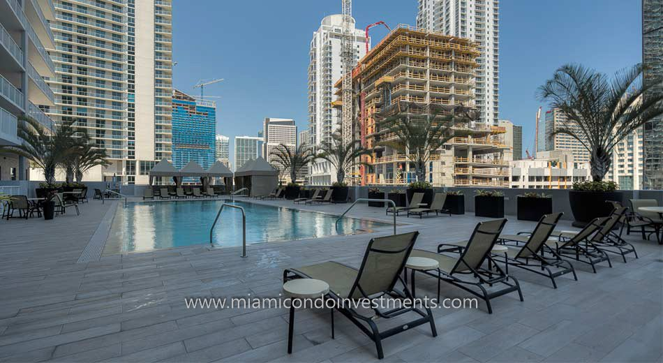 Vue at Brickell condos pool