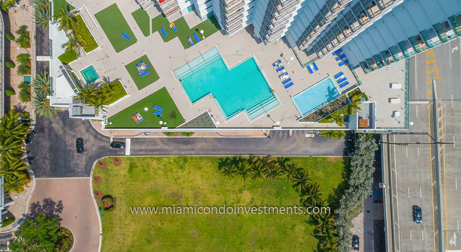 aerial photo of Wind condos pool deck