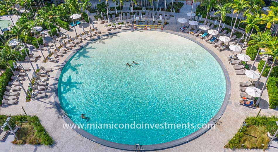 Gran Paraiso swimming pool