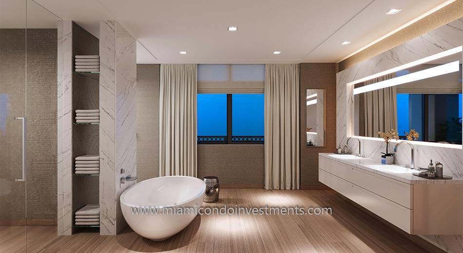 master bathroom at Palazzo Della Luna