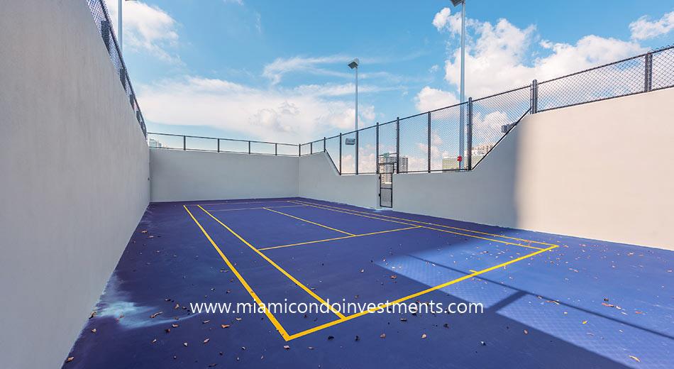 Paraiso Bayviews handball court