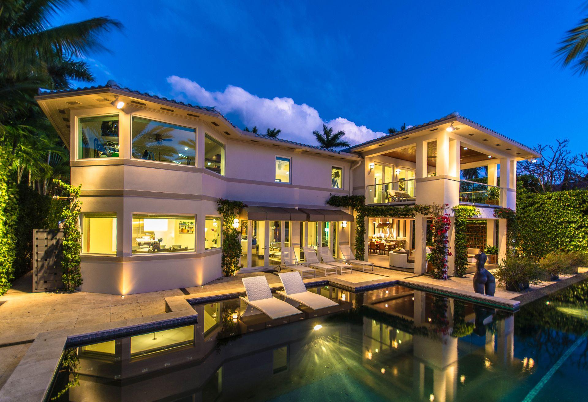 300 W Rivo Alto Miami Beach