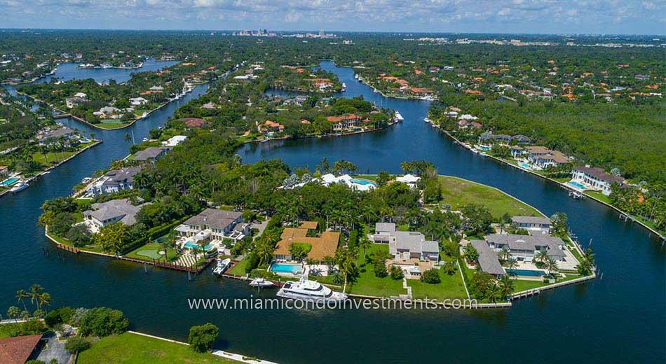 waterfront estates in Gables Estates
