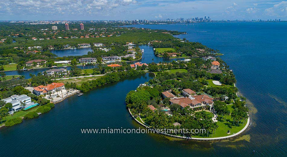 luxury homes in Gables Estates