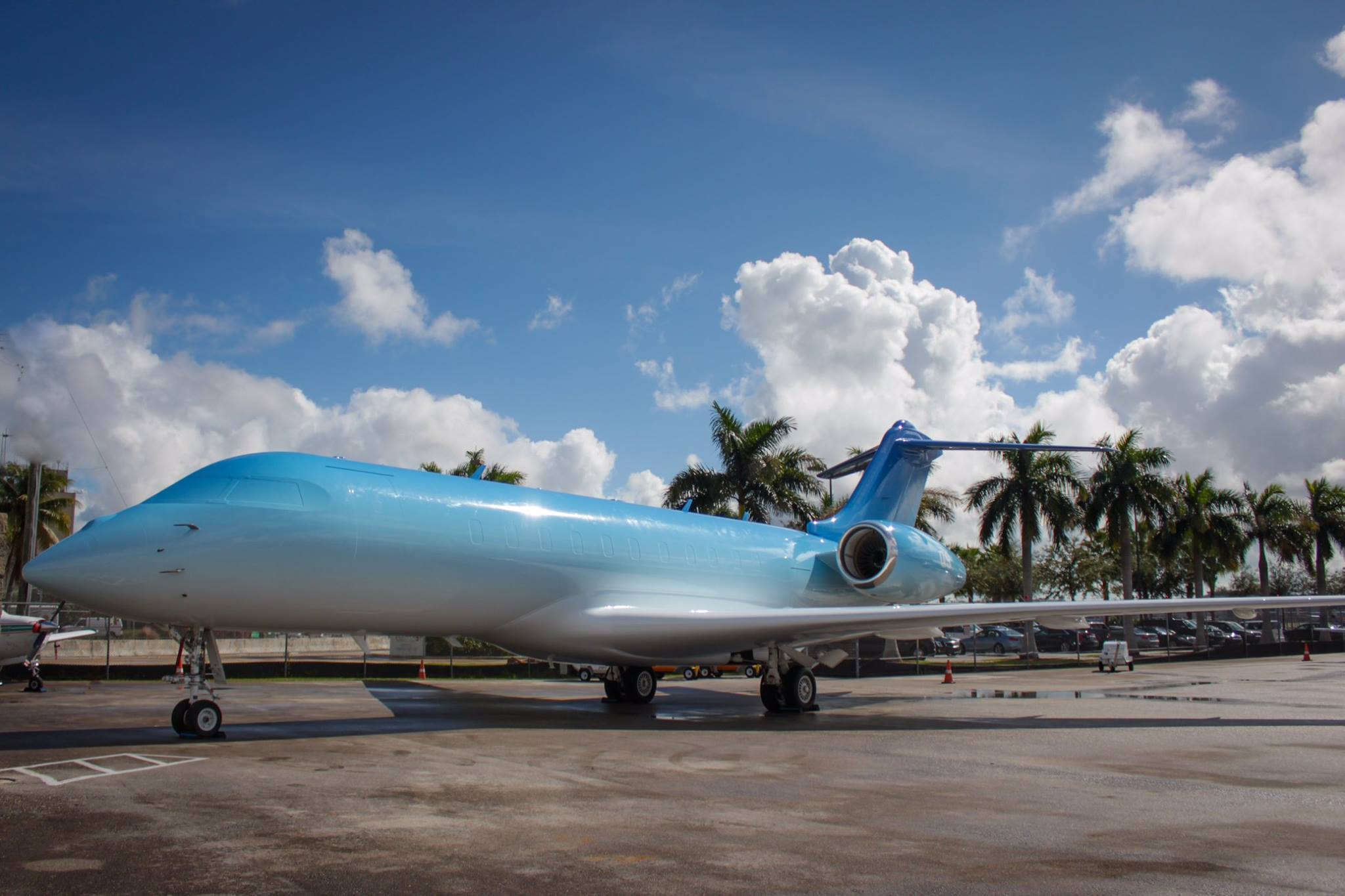 NetJet and Snarkitecture Customize Private Jet for Art Basel 2015