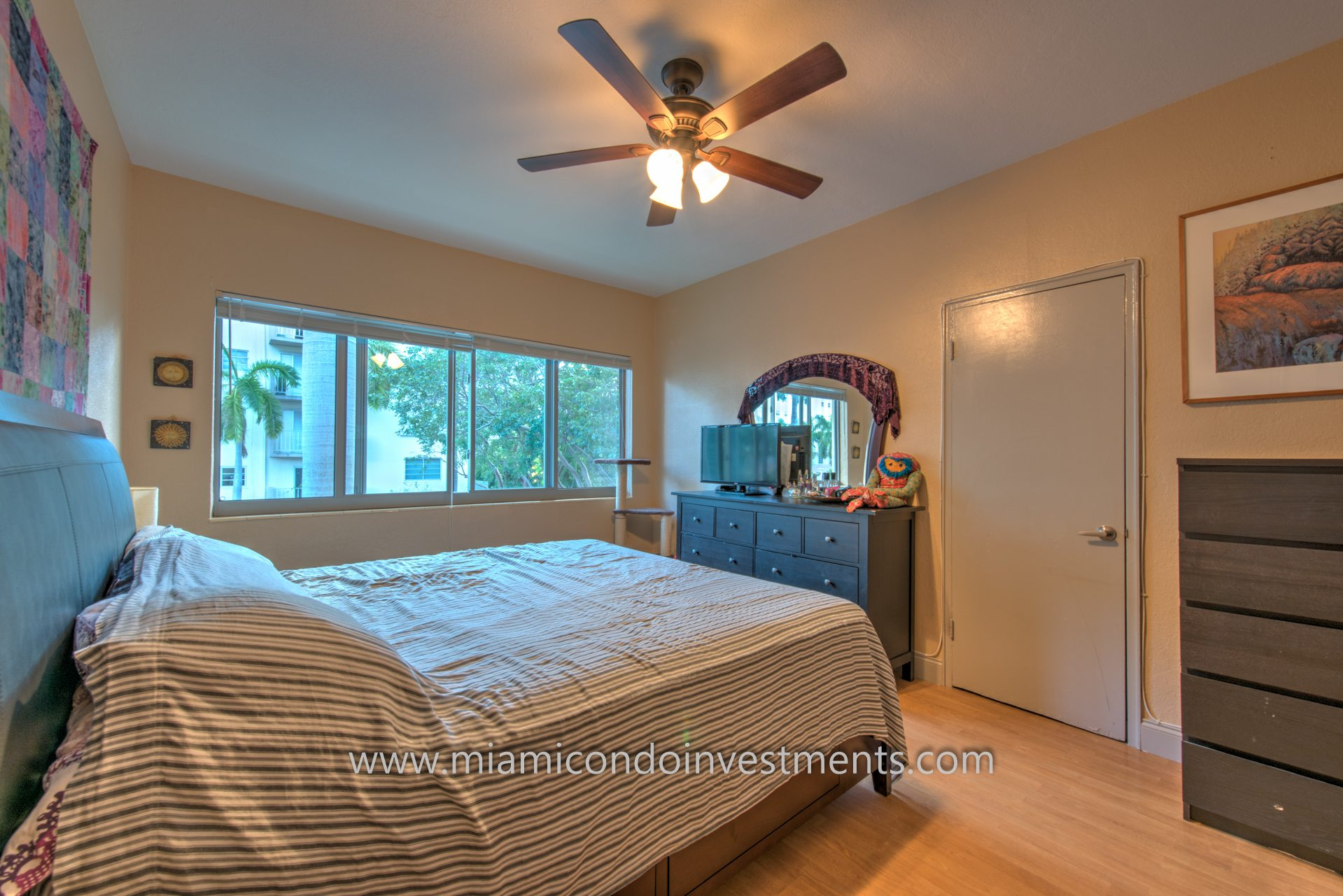 Investment Opportunity South Beach 1 Bedroom Walking Distance To Lincoln Road With Low Monthly