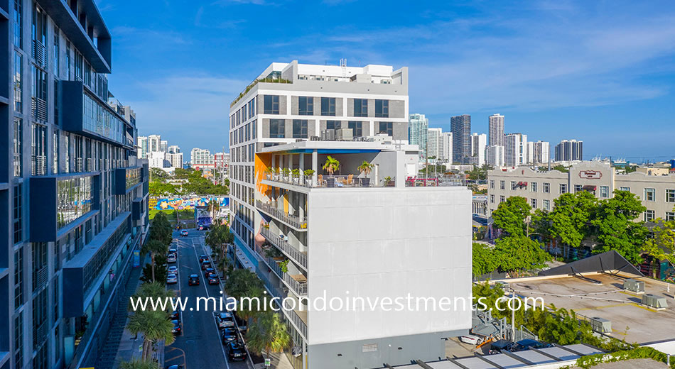 250 Wynwood condominium