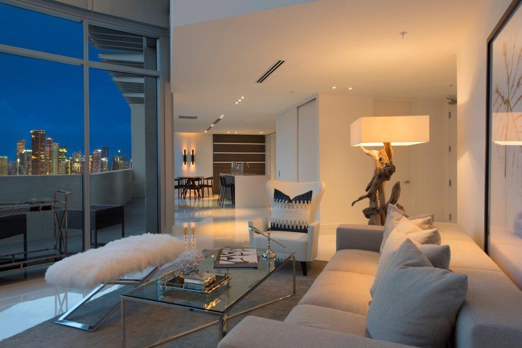 02-Evening_Living_Room