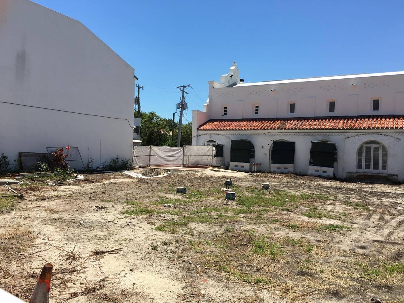 Miami Beach Community Church. Photos by Phillip Pessar.