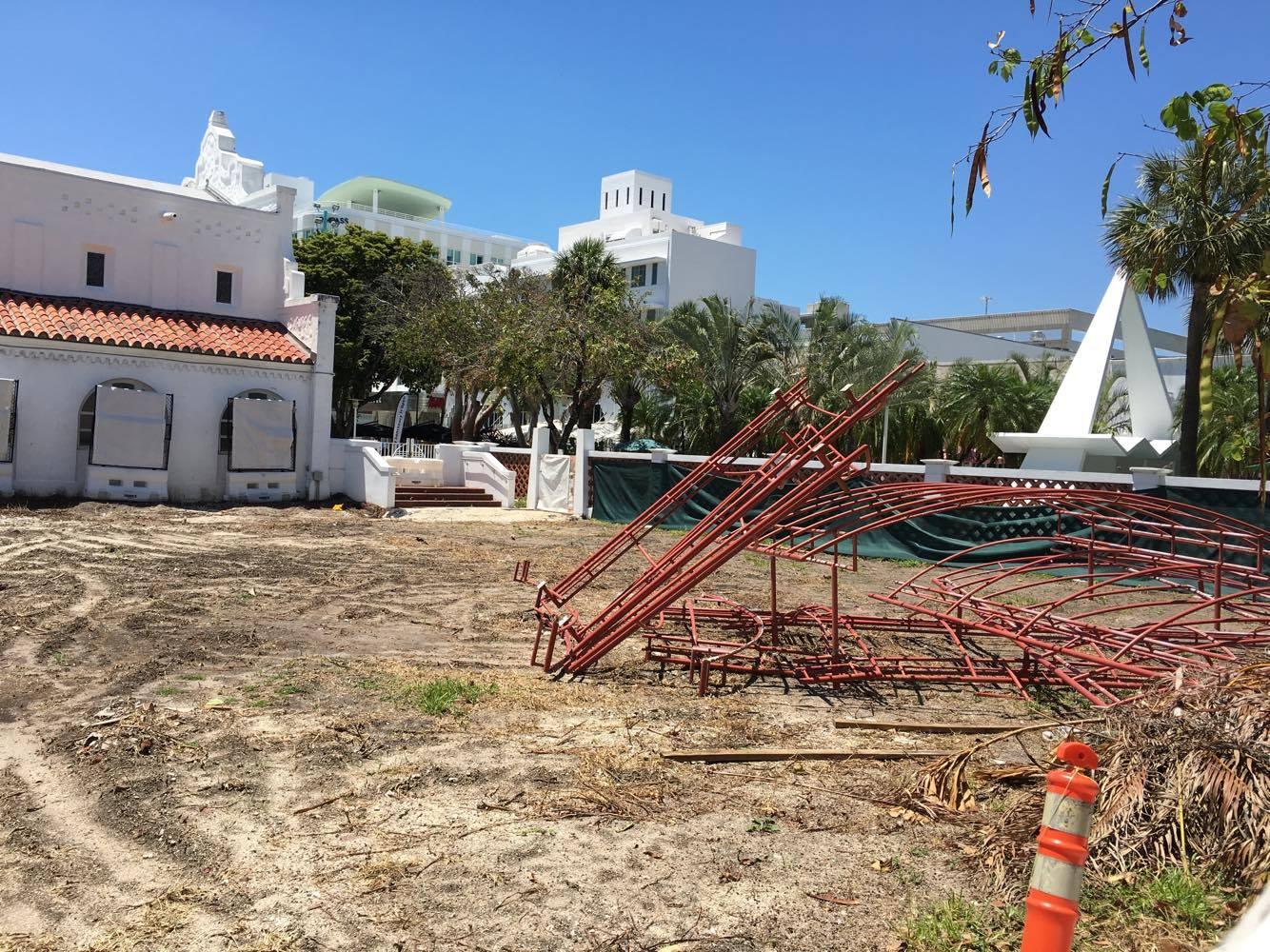 Miami Beach Community Church Courtyard