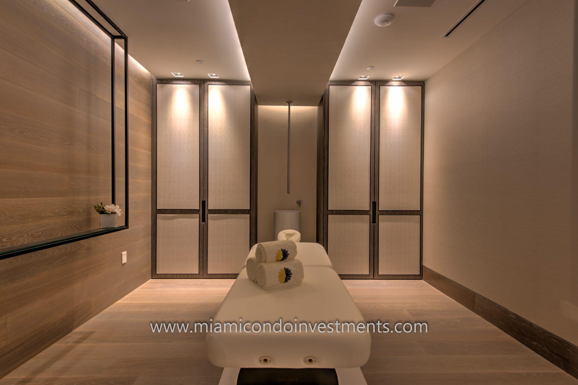 Massage room.