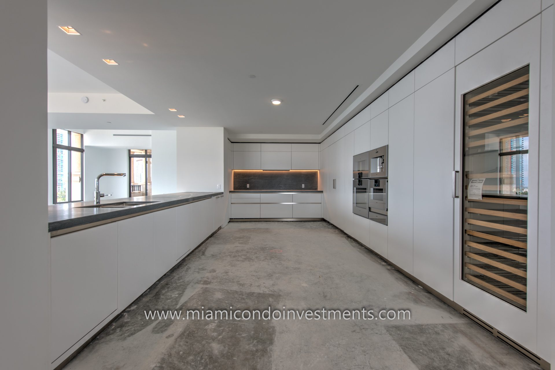 Palazzo Del Sol Penthouse 1 kitchen