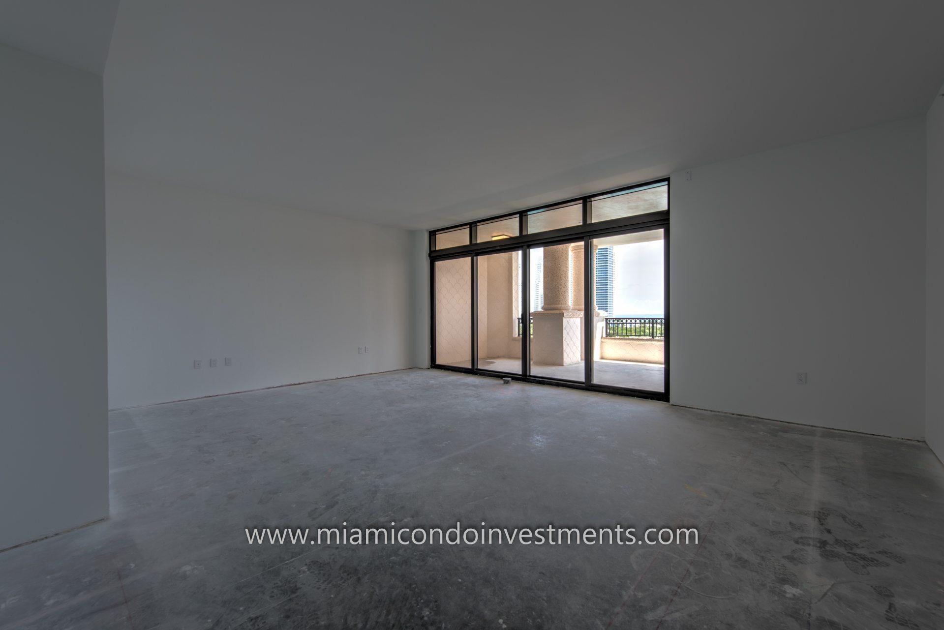 Palazzo Del Sol master bedroom unit 7085