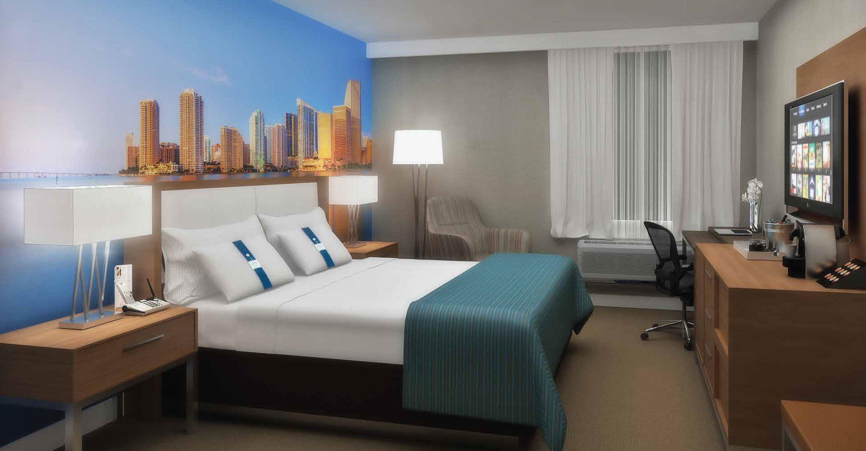 Holiday-Inn_Hospitality_Guestroom_07