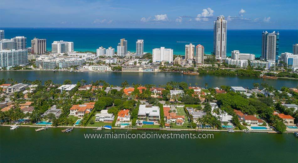 waterfront mansions on Allison Island