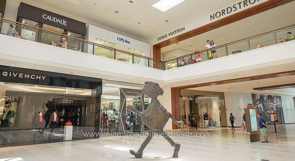 Shopping at the Aventura Mall