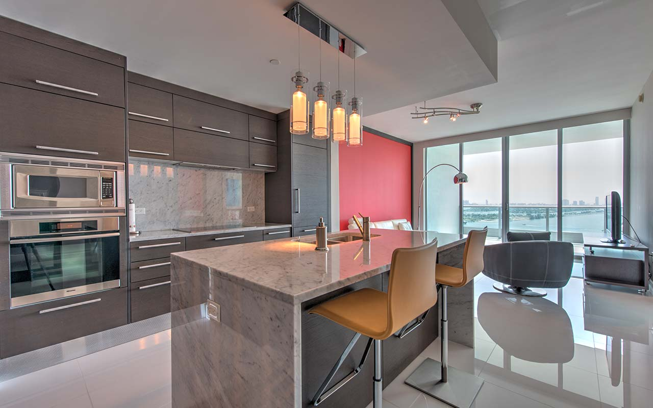 Miami condo for rent at 900 Biscayne Bay