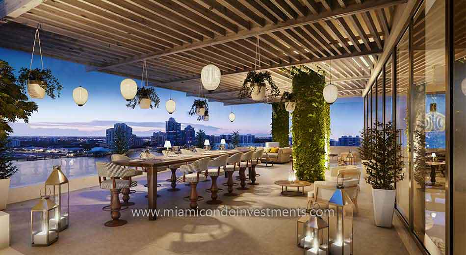 outdoor dining at Prive condos