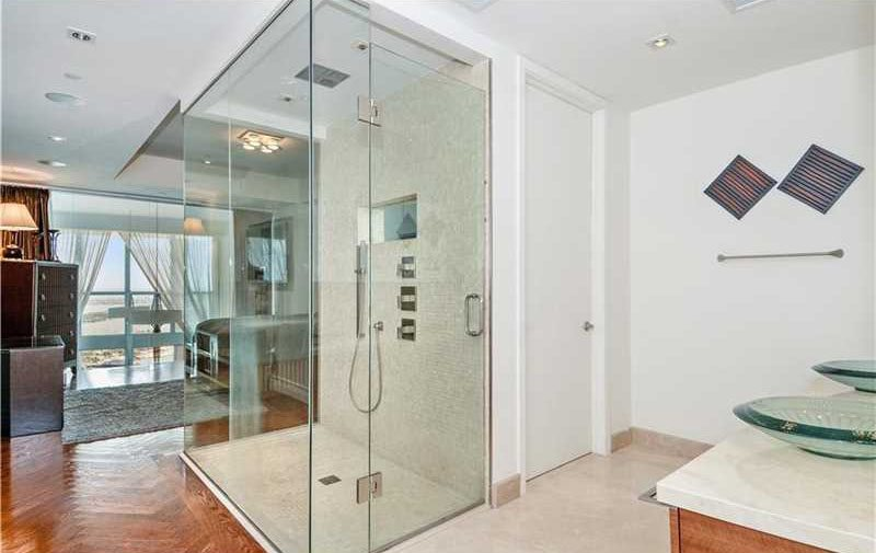 Mario Chalmers Penthouse (15)