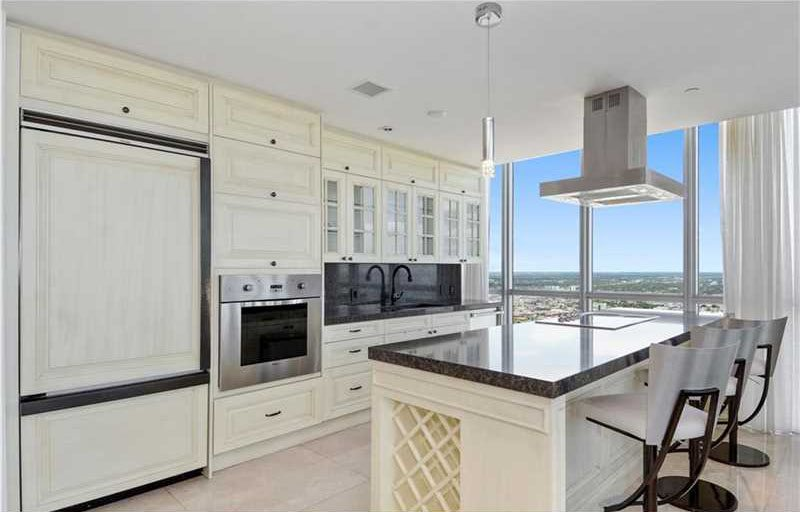 Mario Chalmers Penthouse (5)