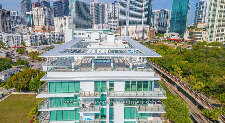aerial photo of Le Parc at Brickell