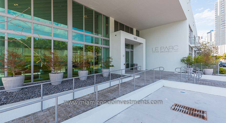 Le Parc at Brickell entrance
