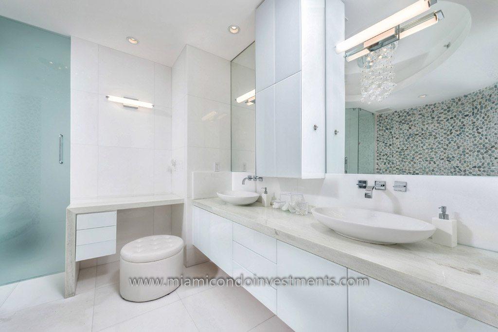 Trump Palace condo master bathroom