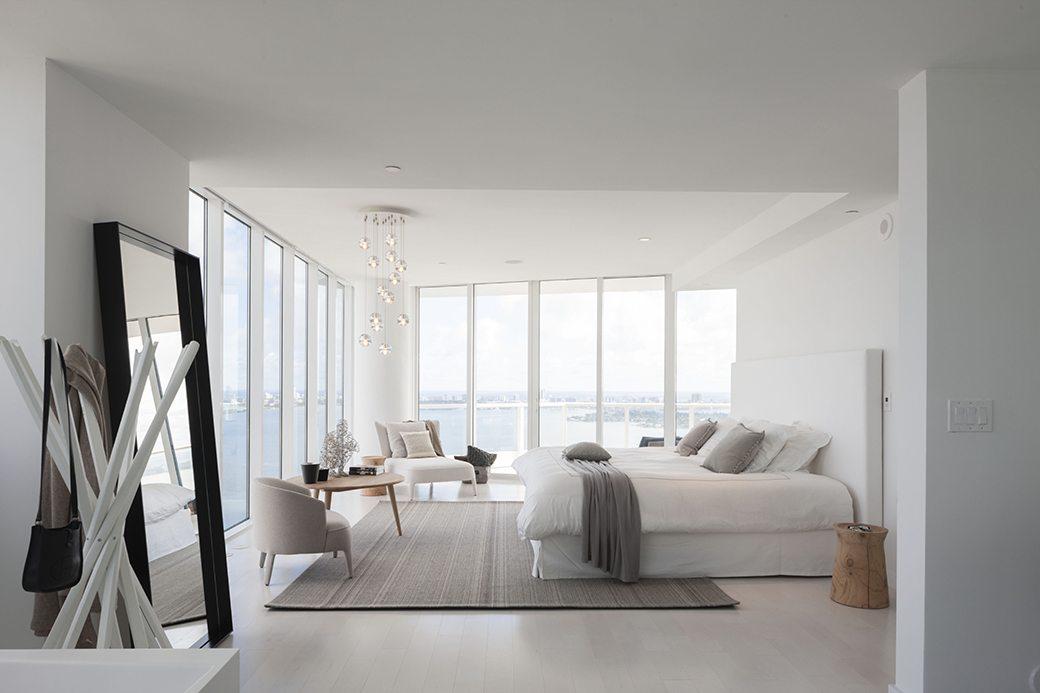 Paramount Bay PH4302 Master bedroom 02
