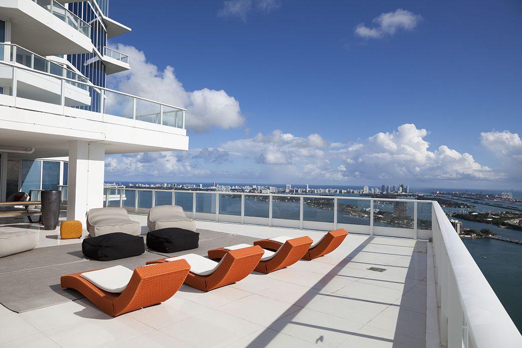 Paramount Bay PH4302 terrace 05