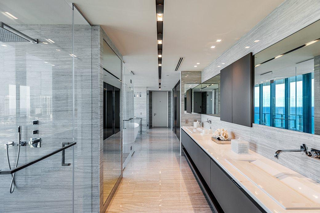 Regalia 18 Master Bathroom 1