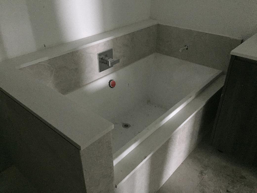 Aria on the Bay Guest Bath 01